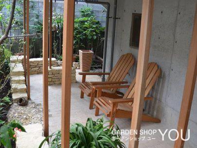 ベンチを置けばそこは瞑想の空間。